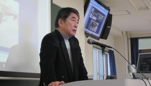 岡本行夫客員教授の写真